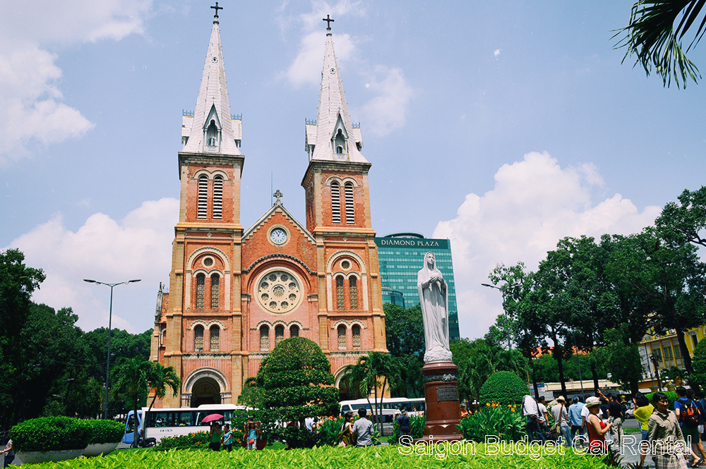 Ho Chi Minh Car Rental for your sightseeing