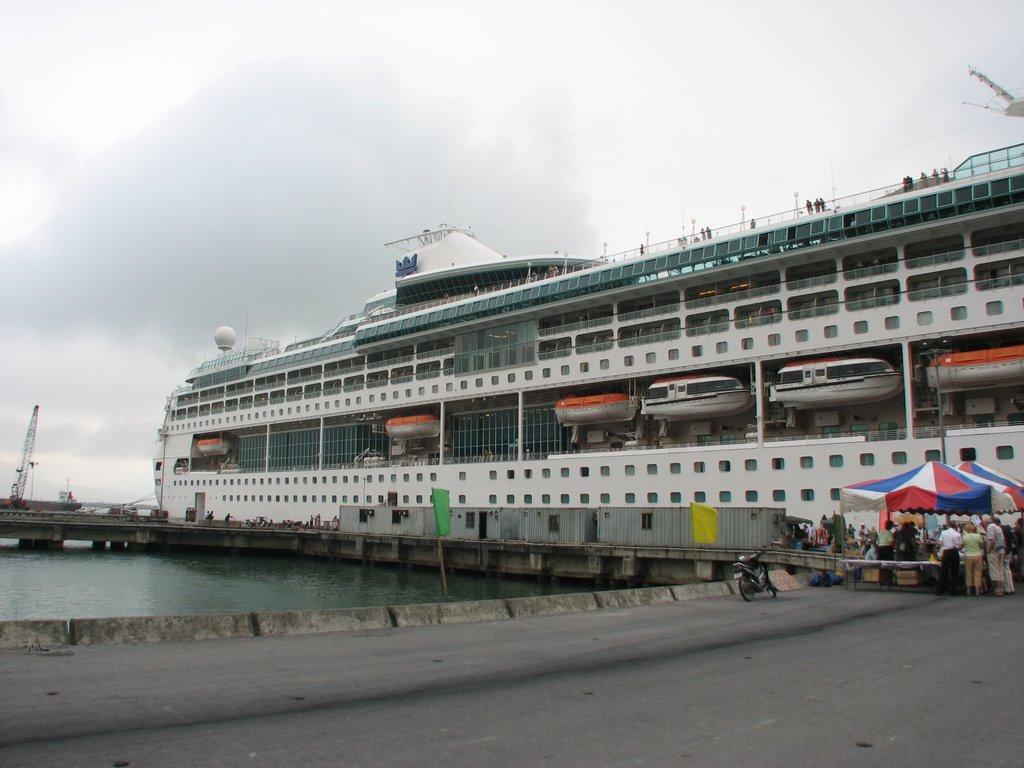 Chan May port to Hue city