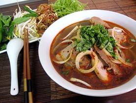 saigon food tours bun bo hue